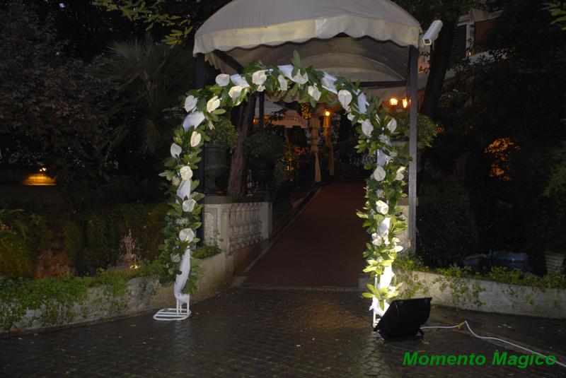 Gazebi per Matrimonio all'aperto Allestimenti Floreali Tappezzerie e Arredi in vari colori ...