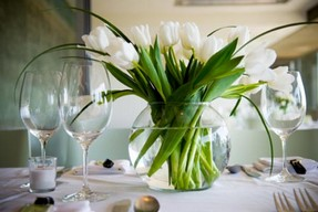 best-wedding-flower-table-arrangements-with-simple-wedding-table-flower-centerpieces.jpg